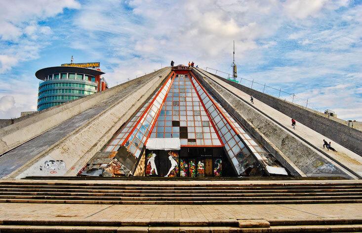 Albanien pyramide